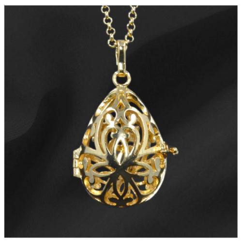 Egg Shaped Gold Gem Pendant